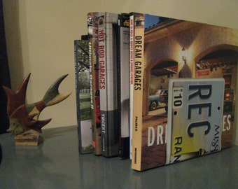 MISSISSIPPI LICENSE PLATE Bookends- Perfect for an Office - Mancave - Den.....many states available
