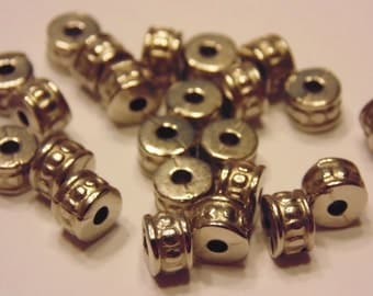 100 silver plated spacer beads, 4 x 6 mm (5)