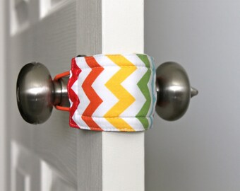 Latchy Catchy  in Rainbow Chevron (Patented)