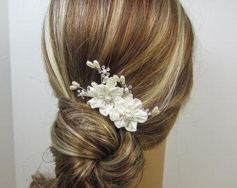 Grace Hair Comb, Bridal hair comb, Wedding hair accessories, Bridal Headpieces, Flowers Hair Accessories, Bridal hair Adornment
