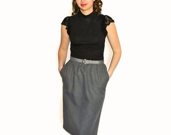 Gray pencil skirt. 80s office skirt. Back to school. Mad Men fashion. Size medium. Secretary skirt with belt. Back to school