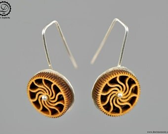 Timber cog mini earrings - Machinarium Collection