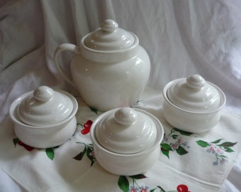 Pfaltzgraff Bean Pot with  Individual Pot Set of Three, Hearth Pattern