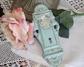 CATALINA GREEN Ornate Vintage Look Decorative Cast Iron Door Plate Hook with Glass Look Knob / Wall Hook