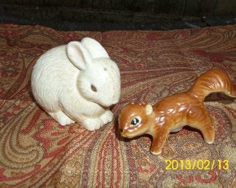 Easter/Spring-Bunny/Rabbit-HMK CO.-Ceramic Salt/Pepper Shaker