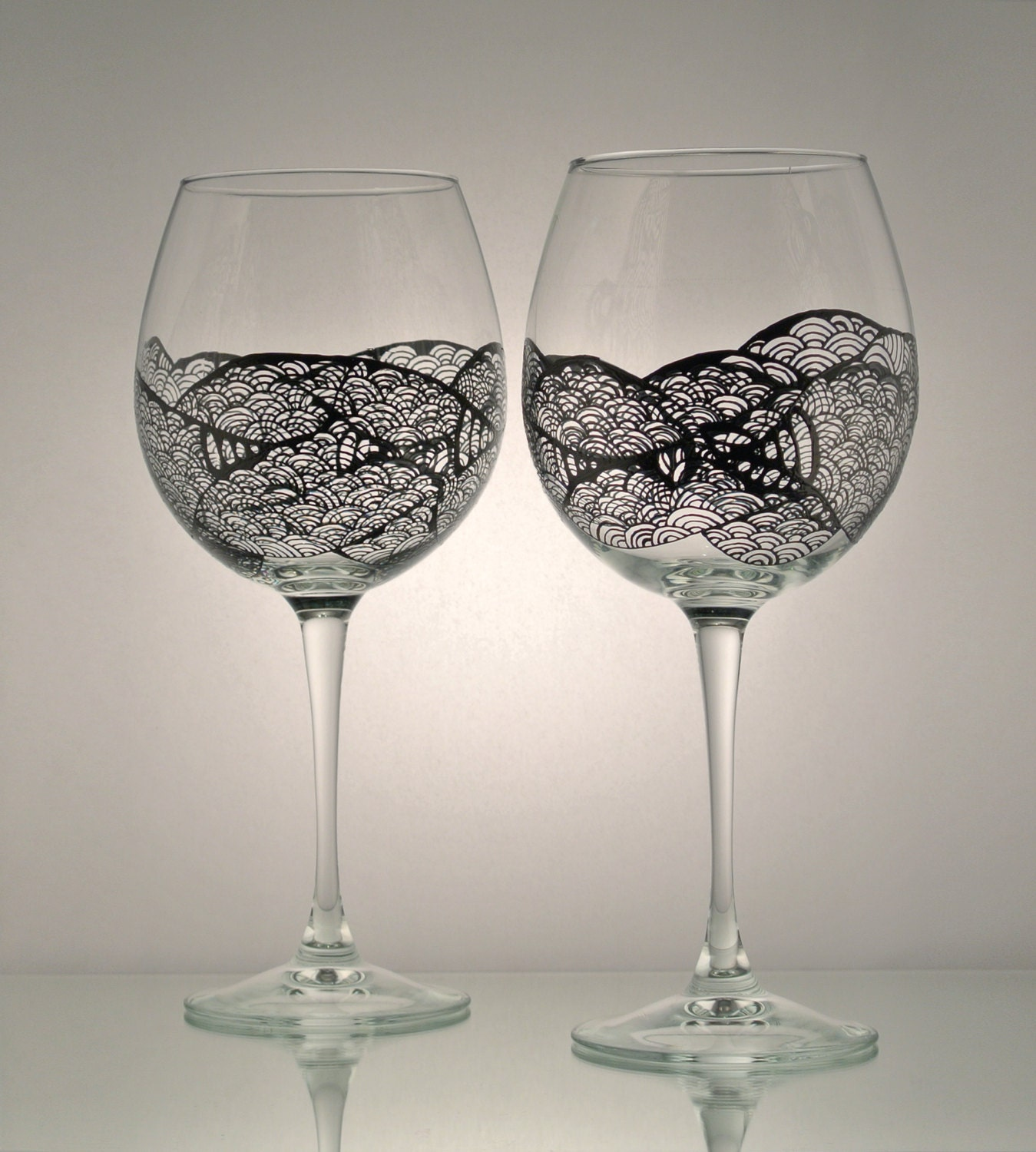 Set of 2 individually hand painted wine glasses licorice Images of painted wine glasses