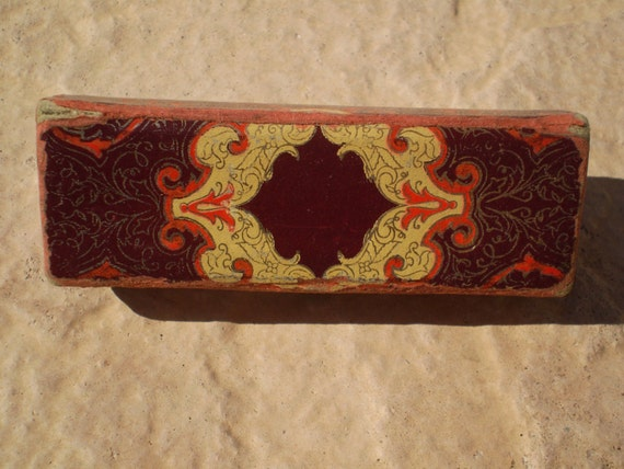 Saved for Linda: Far East or Old Hollywood Glamour Lipstick Case 80s