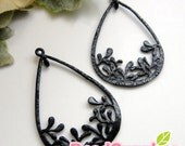 CH-ME-01763-  Black enameled, Teardrop with leaves charm, 4 pcs