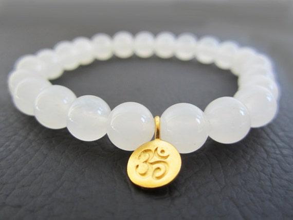 OM bracelet. Beaded bracelet, Prayer beads,  Meditation, Yoga bracelet. Visit    Lotus411   for more buddhist jewelry.