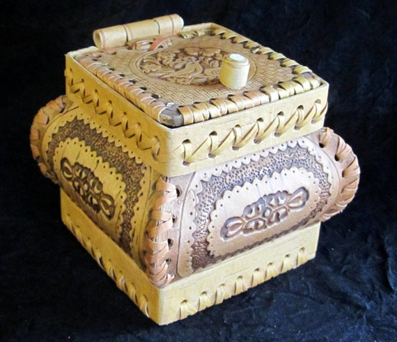 Jewelry Box / A perfect hand carved Gift....from Birch Bark