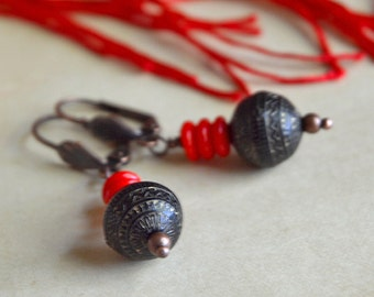 Bold Minimalist Earrings - Black and Red - copper earrings, short dangle earrings, boho gypsy earrings