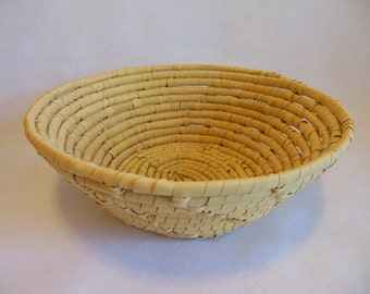 Beautiful Handcrafted Handmade Woven Straw Coiled Farm House Country Cottage Americana Bowl Basket