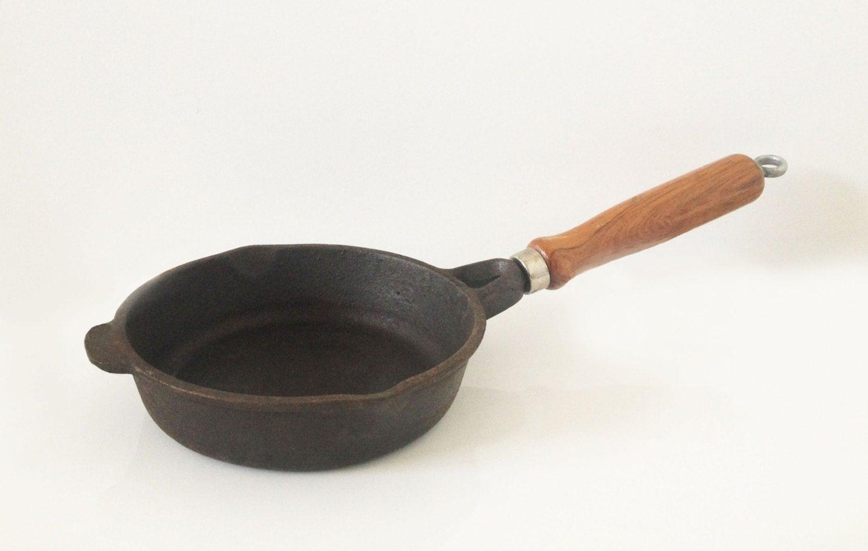Vintage Pan 12