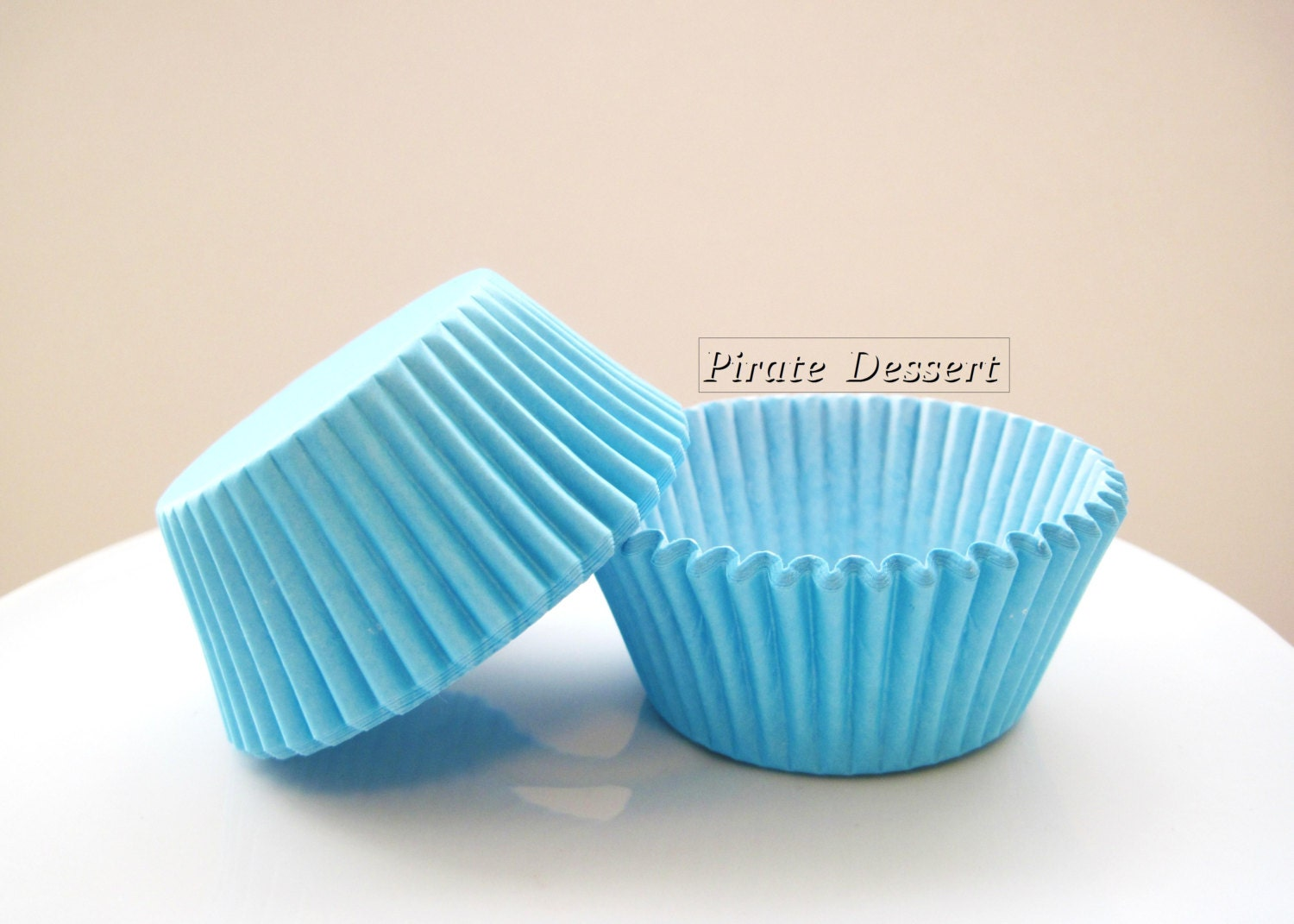 cupcake paper holders Cupcake baking cups, liners, cases baking cups are a great way to dress your cupcakes and help separate your cupcakes from.