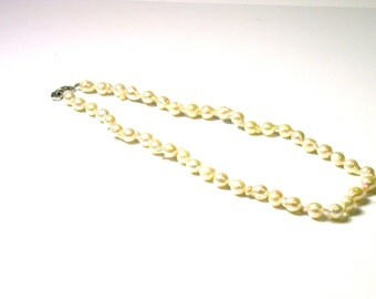 Vintage Pearl Necklace with 14k White Gold Clasp - 15.5 inches Long # 1232