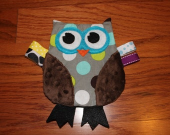 Crinkle Owl Toy in Green and Blue dots