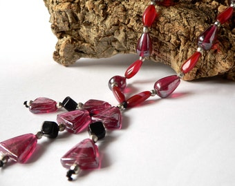 Statement ruby necklace handmade with black and ruby glass beads and pendant. ooak made in Italy.