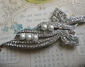 Blooming love Victorian pearls and rhinestone crystals wedding bridal bridesmaids brooch pin