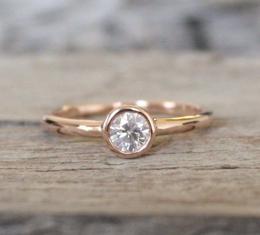 Simple Solitaire Diamond Engagement Ring in 14K Rose Gold