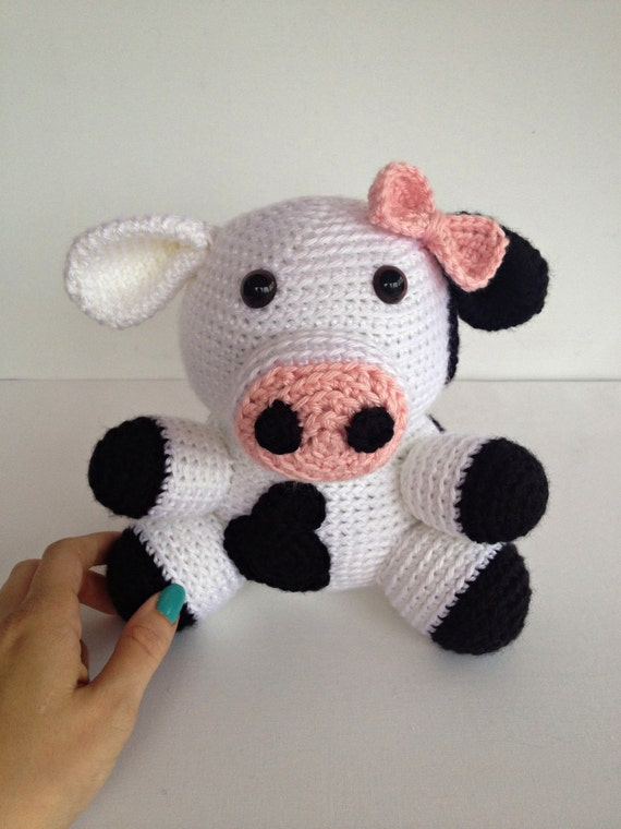Presepe Amigurumi Etsy : Girly Crochet Cow Stuffed Animal in Black and by ...
