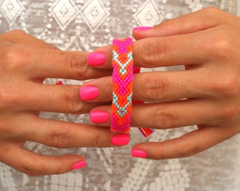 Friendship Bracelet. All About Pink.
