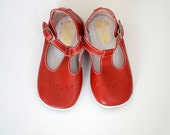 Vintage baby/toddler red mary jane shoes- size 6