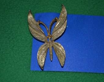 ON SALE  Vintage Burnished Gold Metal Butterfly Pin