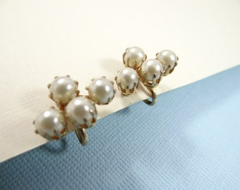 Vintage Coro 1940s Pearl Earrings on a Gold Tone Setting - Classic and Elegant