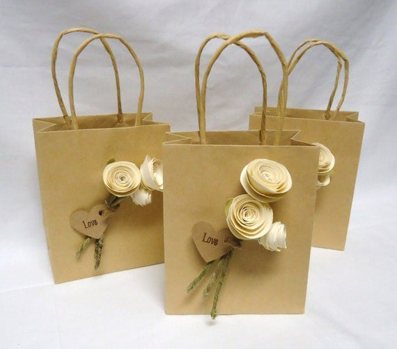 Wedding Gift Bags Etsy : ... bags. Paper rose wedding favor. Ivory roses. Wedding favors on Etsy