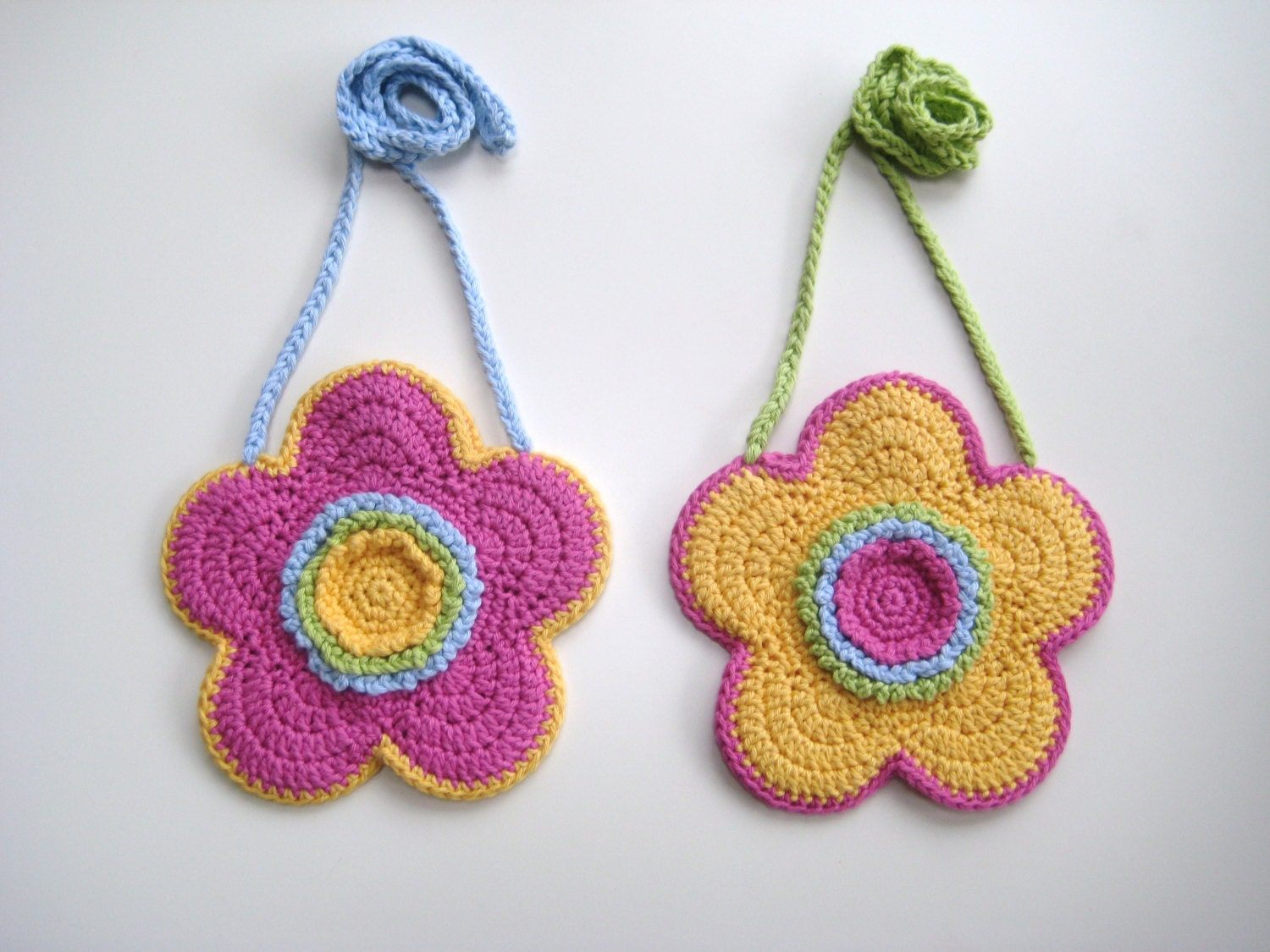 Flower Crochet Bag : Crochet Pattern Flower shaped purse bag by avondalepatterns