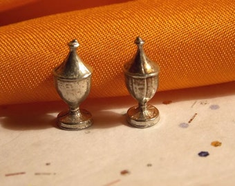 Dollhouse Salt & Pepper Shakers - Doll House Dome Top Shakers - 1/12th Scale - SP2