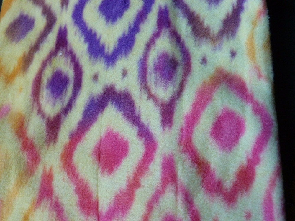 Fabric sale diamond tie dye pattern on cream fleece for Patterned material for sale