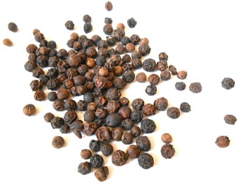 Organic SMOKED BLACK PEPPER - Whole Peppercorns - A Wood-Smoked Culinary Delight - Grilling, Marinade
