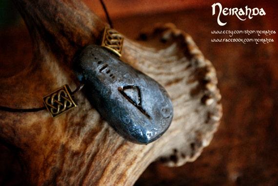 Wunjo rune stone pendant
