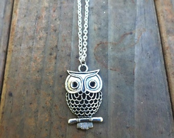 Antiqued Silver Owl Necklace , Owl Jewelry , Silver Pendant Necklace , Animal Necklace , Bird Jewelry , Girlfriend Necklace
