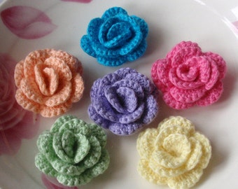 6 Crochet  Flowers Roses In 1-1/2 inches YH -137-01