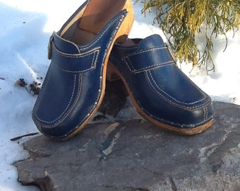 Periwinkle Blue Swedish Leather and Wood Clogs Size 35