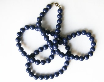 Dark blue wooden necklace. Retro beaded wood necklace.