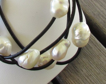 White Pearl Leather Bracelet