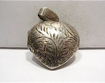 Vintage Sterling Silver Heart Locket Puff Style 2 sided 20 x 22 mm   5 grams #45