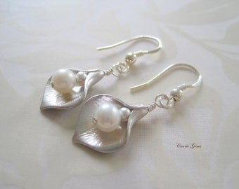 Silver Calla Lily Flower with Freshwater Pearl Earrings, Bridesmaid Gifts, Wedding Gifts