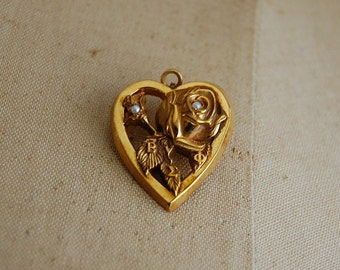 vintage 1930s brooch / 1930s order of the rose brooch