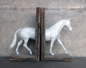 SALE EQUINE COLLECTION hunter horse bookend in white