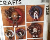 McCall's Crafts Seasons of the Wreath Pattern 7229