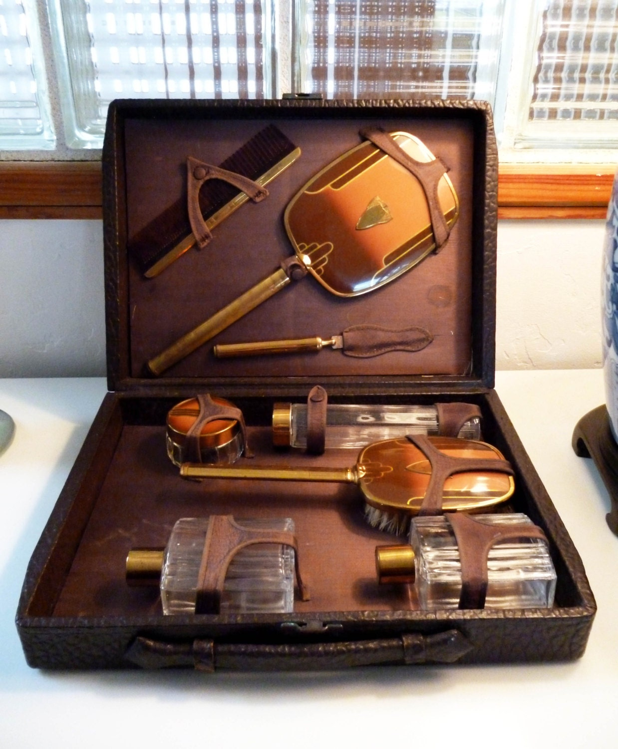 Rare - ART DECO Amber colored  Mens Travel or Dresser Set 8 Pieces and COMPLETE with CowHide Leather Case
