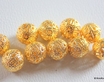 12 x Antique Look Gold Filigree Round Beads 15mm