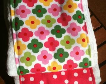Adorable flower and polka dot print burp cloth gift set