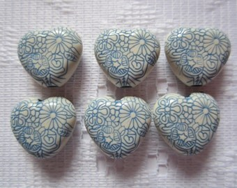 6  Blue & Cream Etched Floral Heart Acrylic Beads  16mm