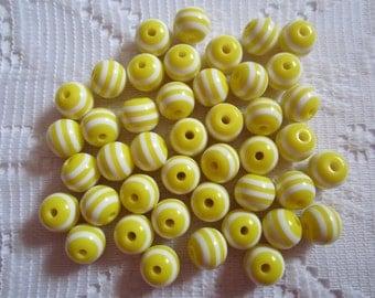 25  White & Lemon Yellow Striped Round Resin Acrylic Beads  6mm
