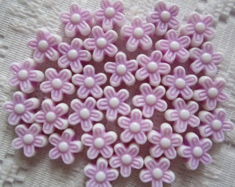 25  Lilac Pink Purple & White Flower Acrylic Beads  9mm
